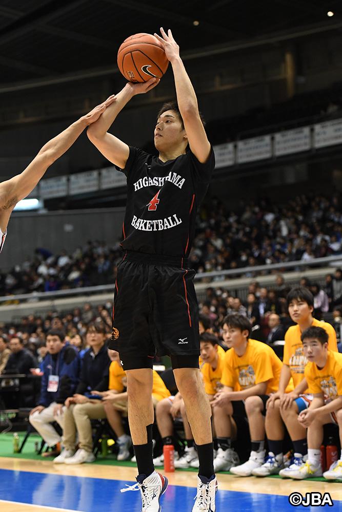 より幅の広いプレイができるようになった東山④岡田 侑大選手