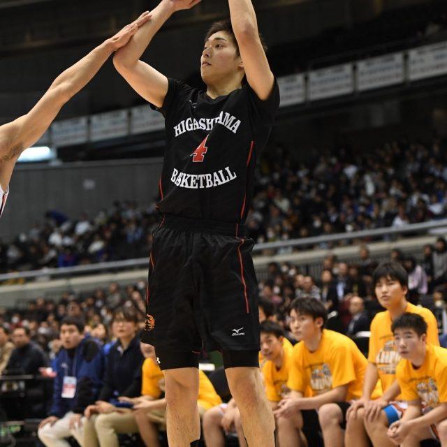 男子準決勝 北陸学院(石川) ● 70-89 ○ 東山(総体2位)