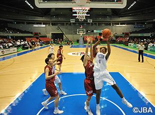 ④馬瓜 ステファニー選手が32点を挙げる活躍で勝利し、高校3冠に王手を懸けた桜花学園